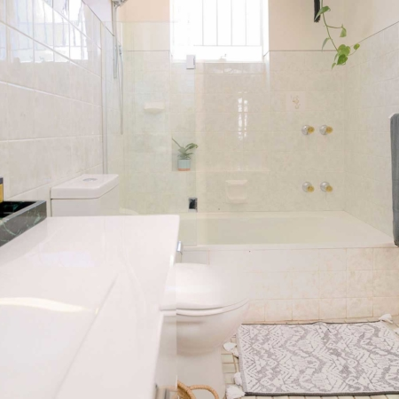 Songbird Vivenda Main Bathroom